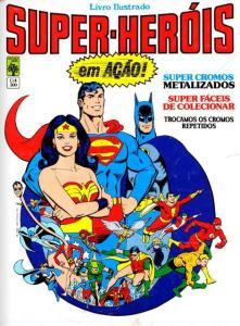 Livro ilustrado Super-Heróis da editora Abril